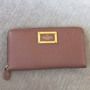 Valentino dusty rose zip around wallet